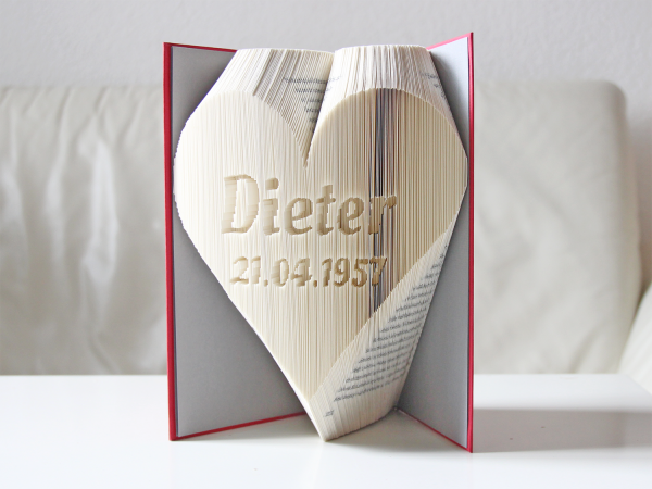 Name in the heart with date - Folded Book